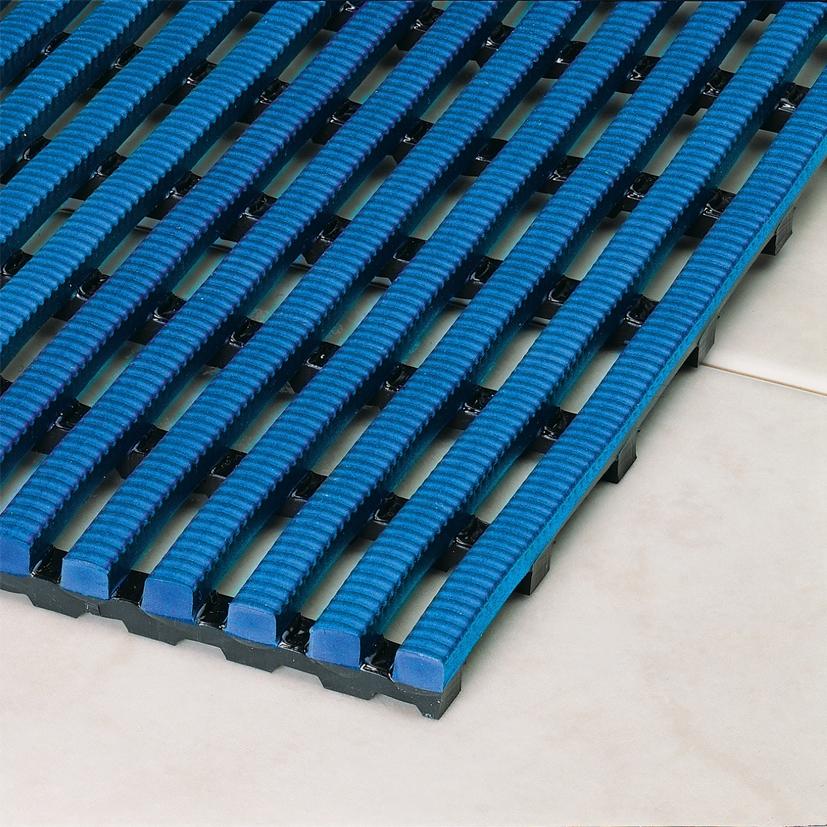 Caillebotis de piscine antid rapant for Piscine en plastique dur